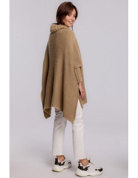 Sweter ponczo z rękawami i golfem - kamelowy