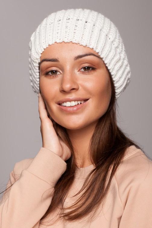 CM5555 Stylowy ciepły beret - ecru