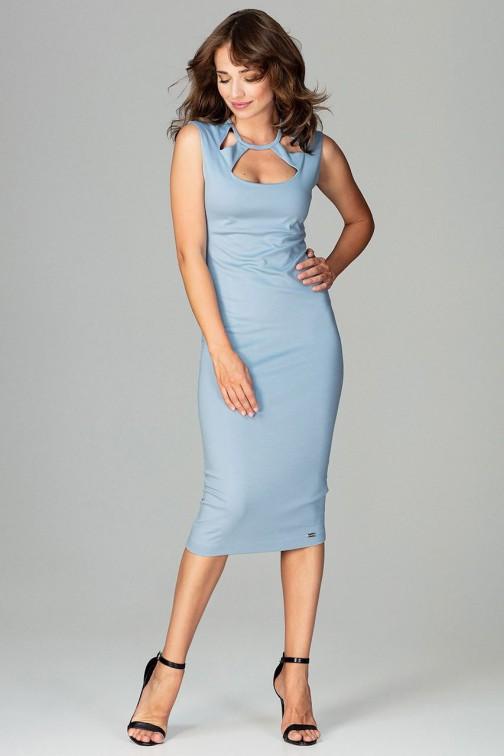 CM3789 Sukienka 7/8 z ozdobnym dekoltem - niebieska