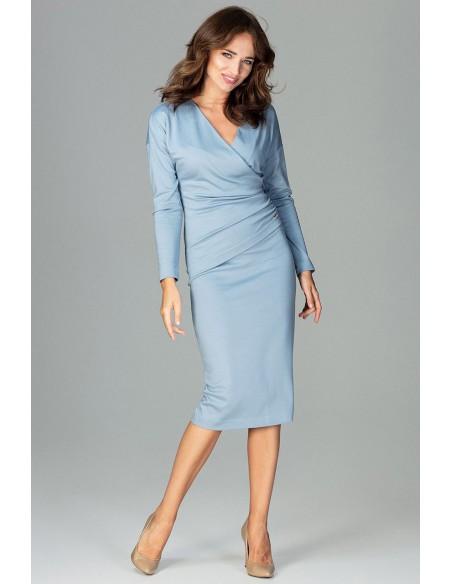 Sukienka z dekoltem i marszczeniem - niebieska