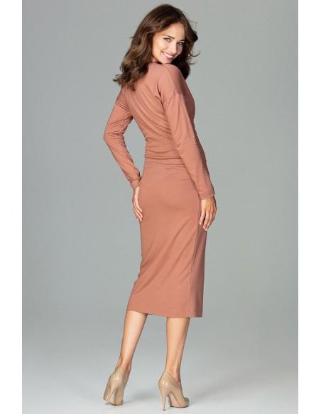 Sukienka z dekoltem i marszczeniem - brązowa