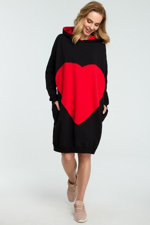 Dresowa sukienka z sercem - czarna