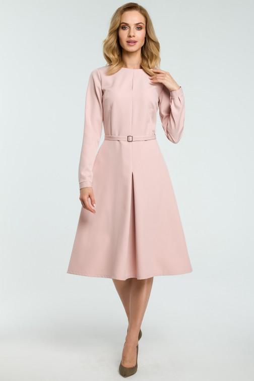 Trapezowa sukienka z długim rękawem - pudrowa