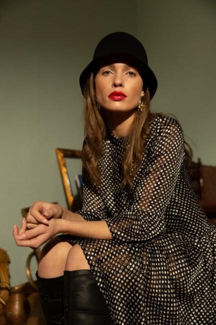 CM5581 Sukienka szyfonowa w...