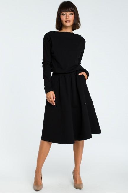 Rozkloszowana sukienka z długim rękawem - czarna