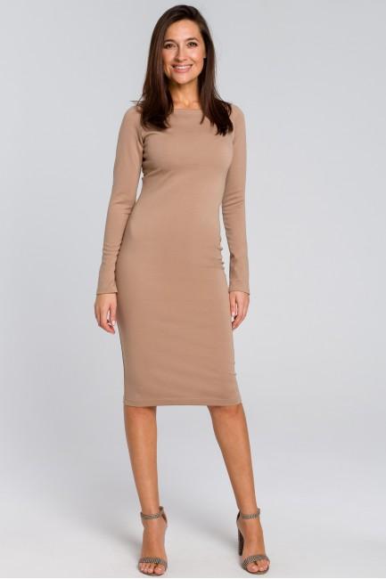 CM4140 Dopasowana sukienka...