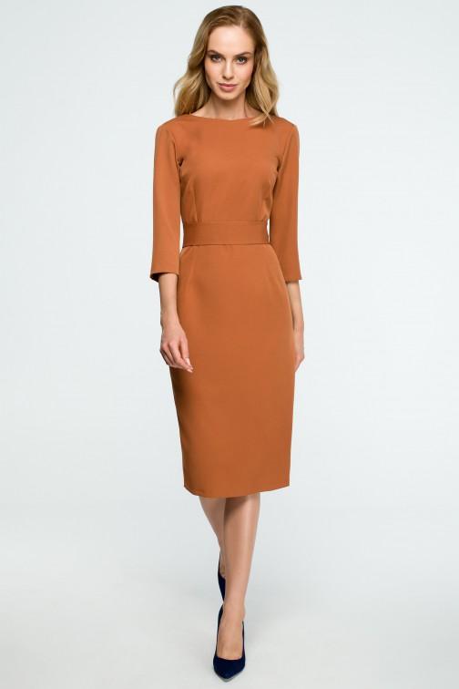 CM3837 Gładka sukienka ołówkowa z paskiem - ruda