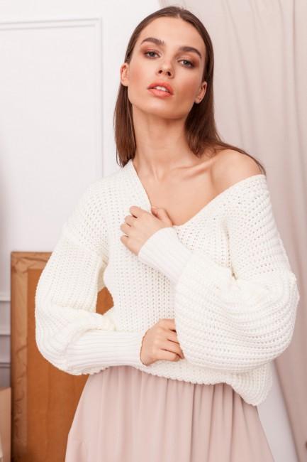 CM5946 Sweter w serek ze...