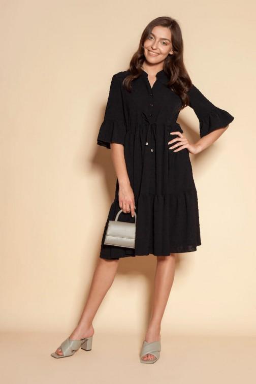 CM6091 Sukienka z falbanami i troczkiem w pasie - czarny
