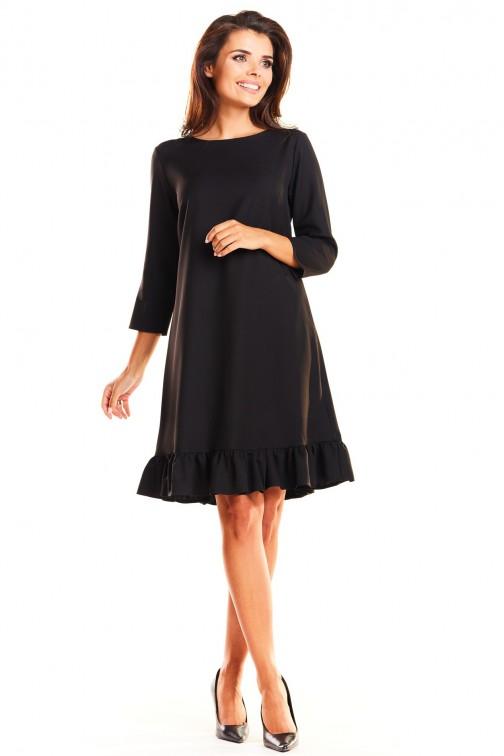 CM3963 Trapezowa sukienka z rękawem 3/4 i falbanką - czarna