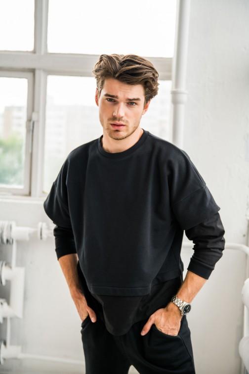 CM6216 Bluza męska z warstwowymi rękawami - czarna
