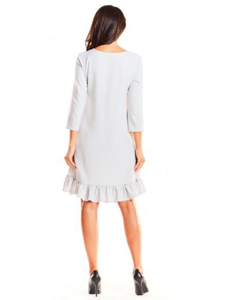 Trapezowa sukienka z rękawem 3/4 i falbanką - szara