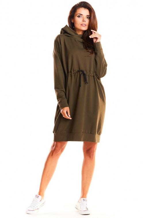 CM3964 Dresowa sukienka z kapturem przewiązana w pasie - khaki