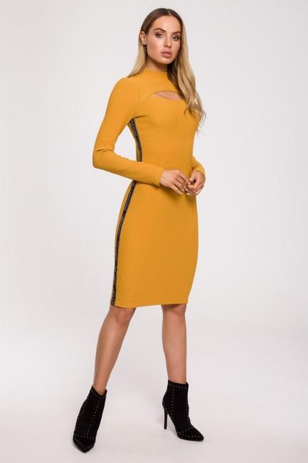 CM6223 Sukienka dopasowana...