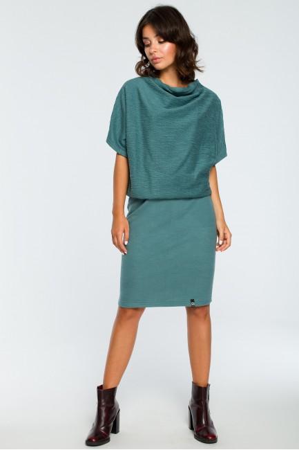 CM3994 Dopasowana sukienka...