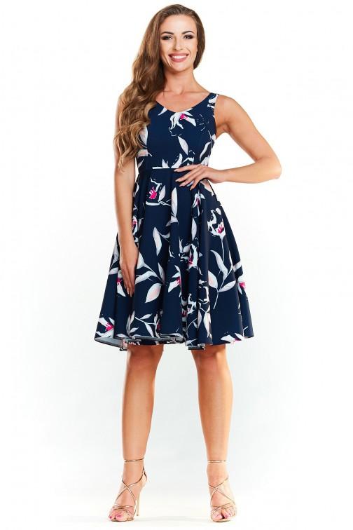 Rozkloszowana sukienka na ramiączkach - granatowa