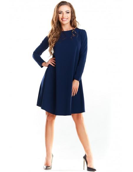 Klasyczna sukienka delikatnie rozkloszowana - granatowa
