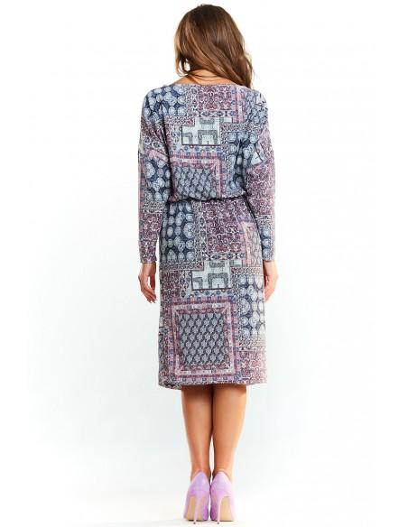 Klasyczna sukienka we wzory
