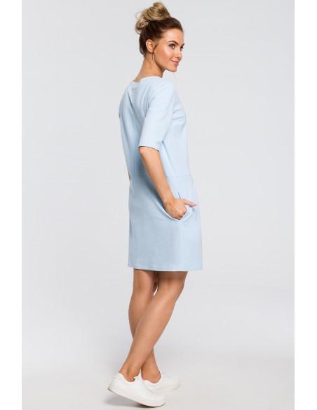 Prosta sukienka z kokardką na ramieniu - błękitna