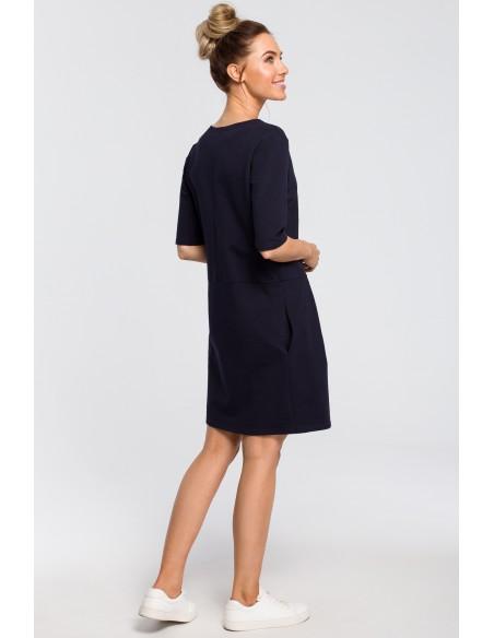 Prosta sukienka z kokardką na ramieniu - granatowa