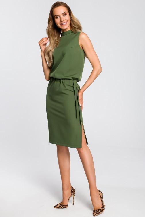 CM4104 Elegancka sukienka z rozcięciem na plecach - zielona