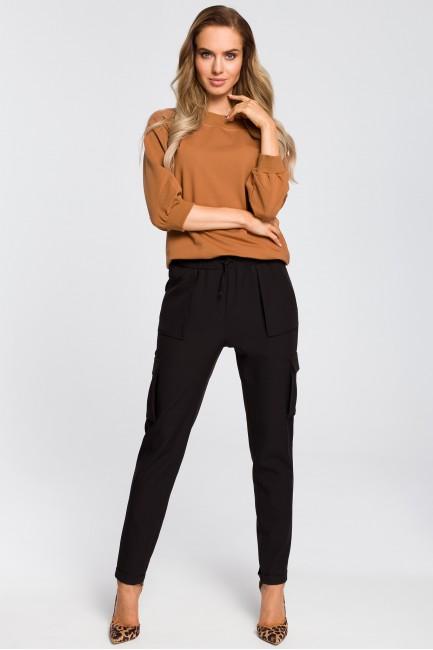 Zwężane spodnie damskie z kieszeniami - czarne