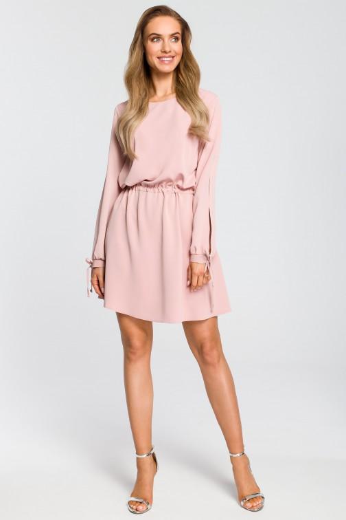 CM4107 Odcinana sukienka z długim rękawem - pudrowa
