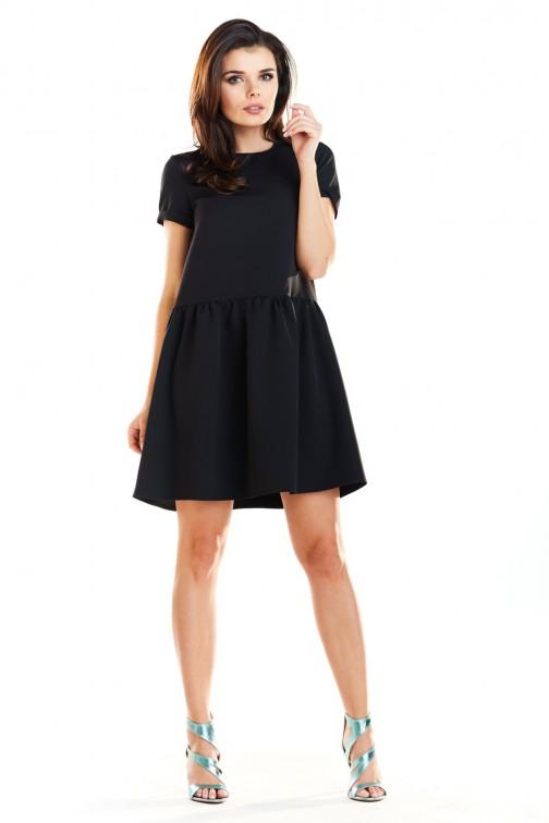 Sukienka mini z odcięciem w talii - czarna