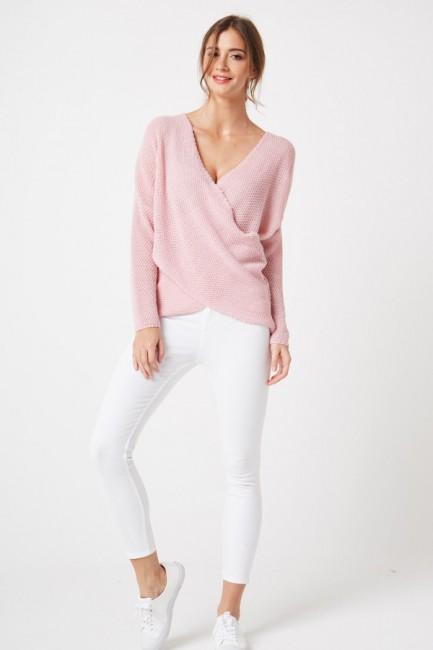 Stylowy kopertowy sweter - pudrowy róż