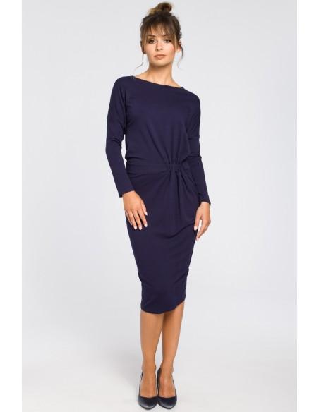 Ołówkowa sukienka z gumką w talii - granatowa