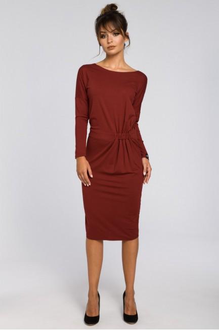 Ołówkowa sukienka z gumką w talii - bordowa